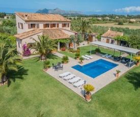 Alcudia Villa Sleeps 8 Pool Air Con WiFi