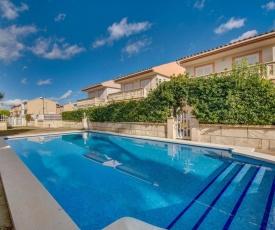 Playa de Muro Villa Sleeps 6 Pool Air Con WiFi