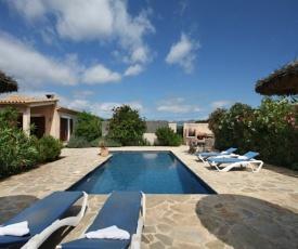 Alcudia Villa Sleeps 4 Pool Air Con WiFi